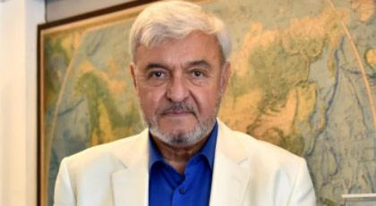 Ahmet Vefik Alp kim?