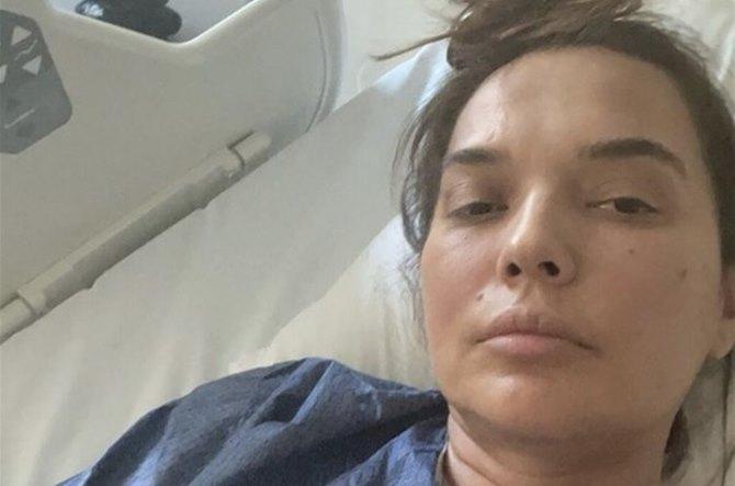 AMELİYAT 4 SAAT SÜRDÜ! Demet Akalın ameliyat oldu!